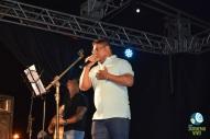 O cantor Alex Sandro recebe o apoio do público ao cantar sobre o Juruena. Foto de Carla Ninos.