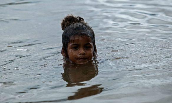 Além da pressão dos madeireiros, comunidades locais seriam expulsas com a chegada da usina Foto: Lilo Clareto / Repórter Brasil